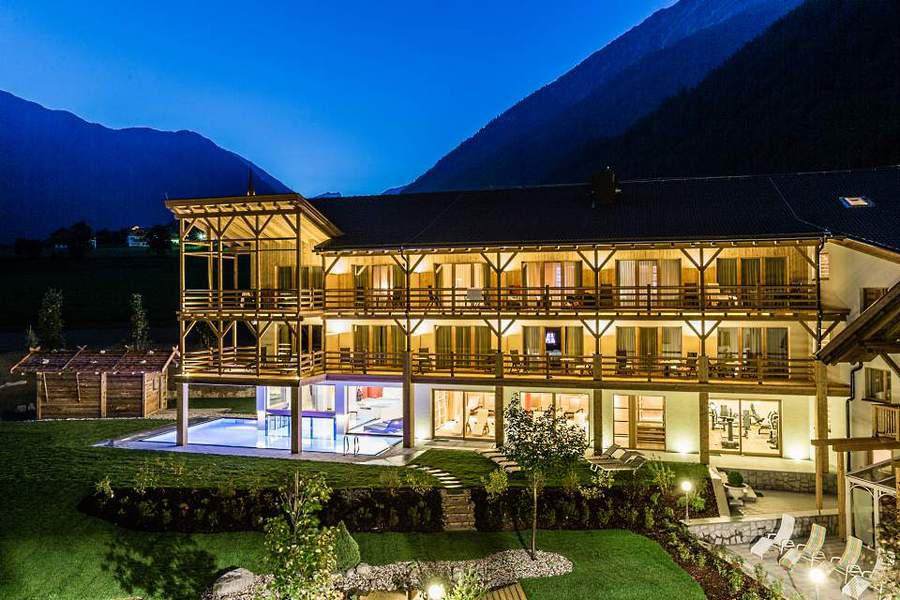 Familienhotel im pustertal vals vivere la maremma for Design wellnesshotel sudtirol