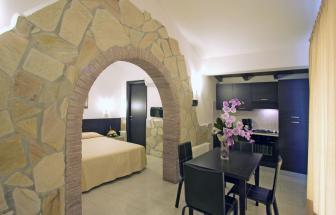 Suite Palme - Ess- und Schlafbereich
