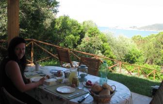 Frühstück auf der Veranda der Casa Verde