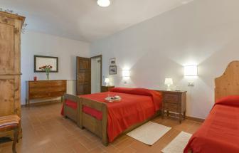 Wohnung 2 - Schlafzimmer