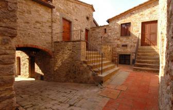 Burg_Gaiole (1)