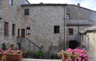 Burg_Gaiole (8)