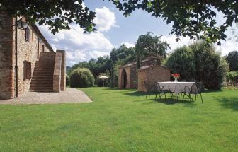 MURL01 - Kleine Ferienanlage bei Murlo - Il Piano Haus aussen 2