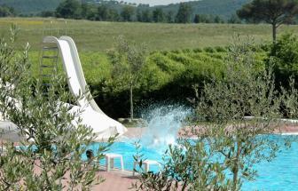 MURL01 - Kleine Ferienanlage bei Murlo - Pool mit Rutsche