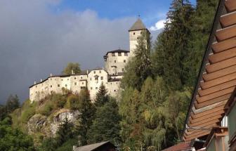 AHRN02 - Designhotel im Ahrntal - Burg Taufers