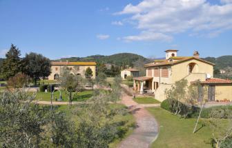 CECI01 - Kleine Ferienanlage bei Cecina - von Süden