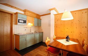 PUST01 - Familien-Wellness-Hotel im Pustertal - Carpe Diem Wohnküche