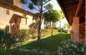GROS04 - Casa Livia in der Fattoria bei Grosseto - aussen b