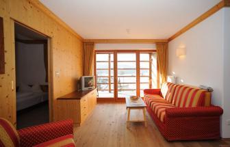 PUST01 - Familien-Wellness-Hotel im Pustertal - Familia Wohnraum