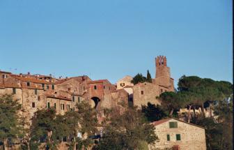 CAMP01 - Herrschaftliche Villa in Campagnatico - Ort