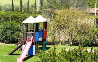 CECI01 - Kleine Ferienanlage bei Cecina - Spielplatz 035