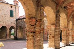 SUVE01 - Kloster in Suvereto
